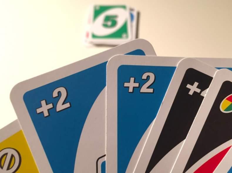 3586 Uno Spiel