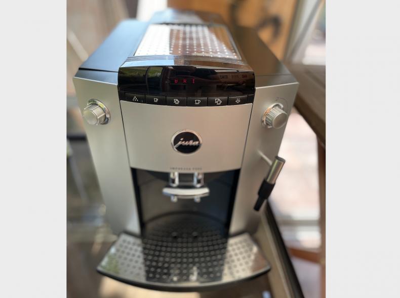 34142 Kaffeemaschine Jura, Vollautomat