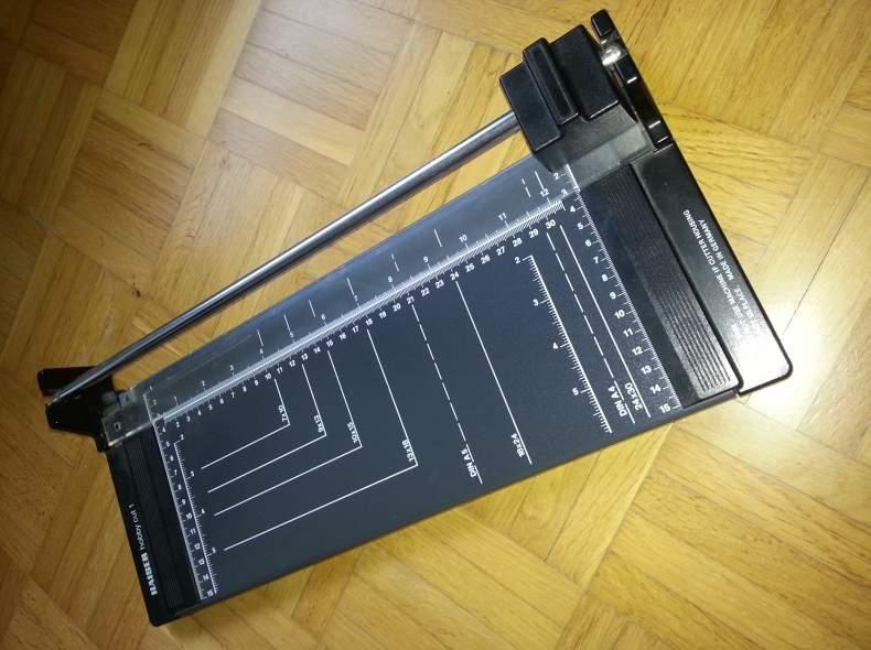 3916 Schneidmaschine (Papier)