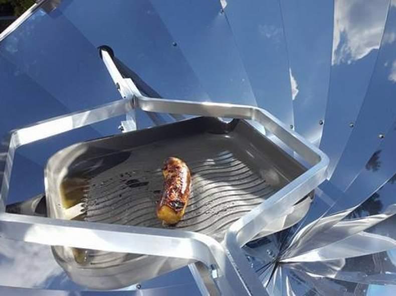 4411 Solarkocher. Kochen, Backen, Grilli