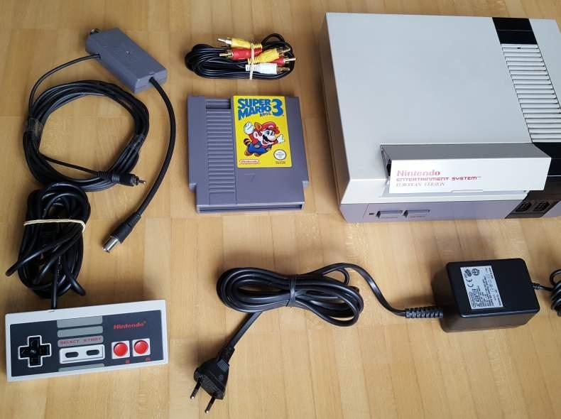 4474 Nintendo NES inkl. Super Mario Bros