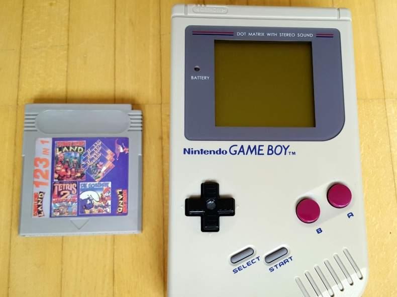 4475 Nintendo Gameboy Klassik + Spiel