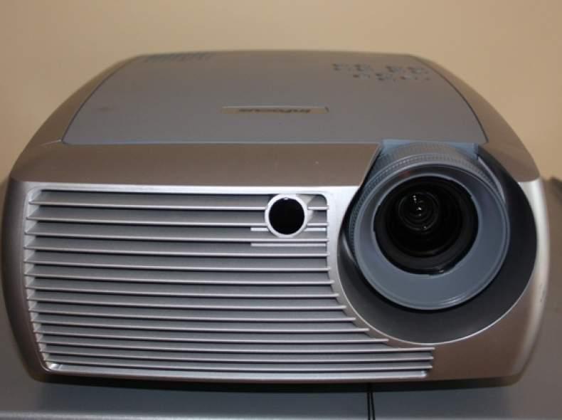 4502 Projecteur Infocus SP4805