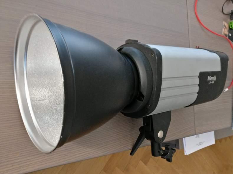 4543 Studioblitz Menik LD-400