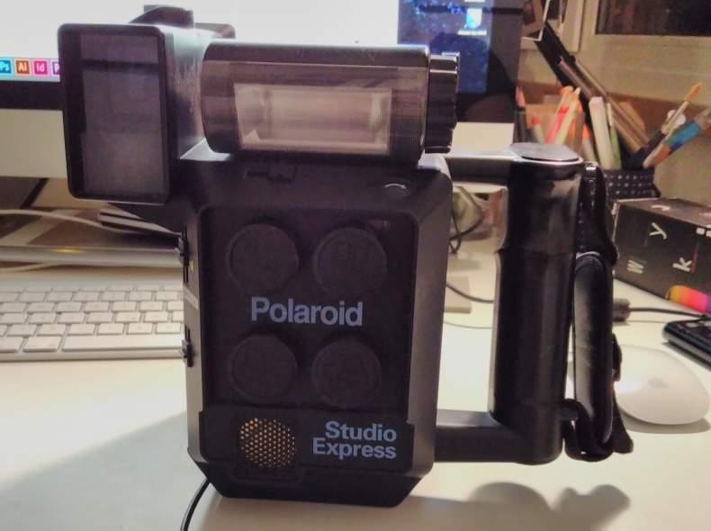4851 Polaroid studio express