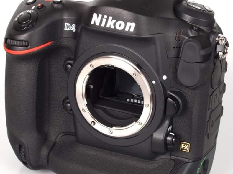 52 Nikon D4
