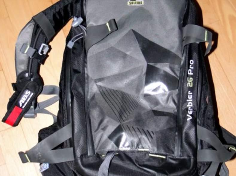 183 ABS-Rucksack mit Carbon-Kartusche