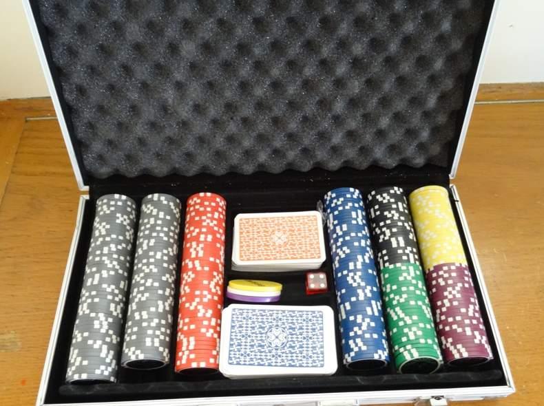 841 Poker Set