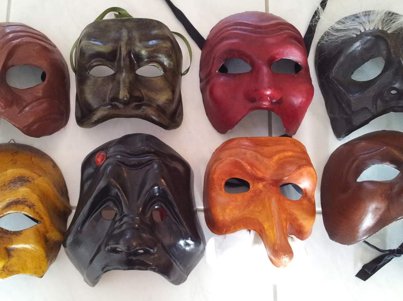 868 Masken der Commedia dell'Arte