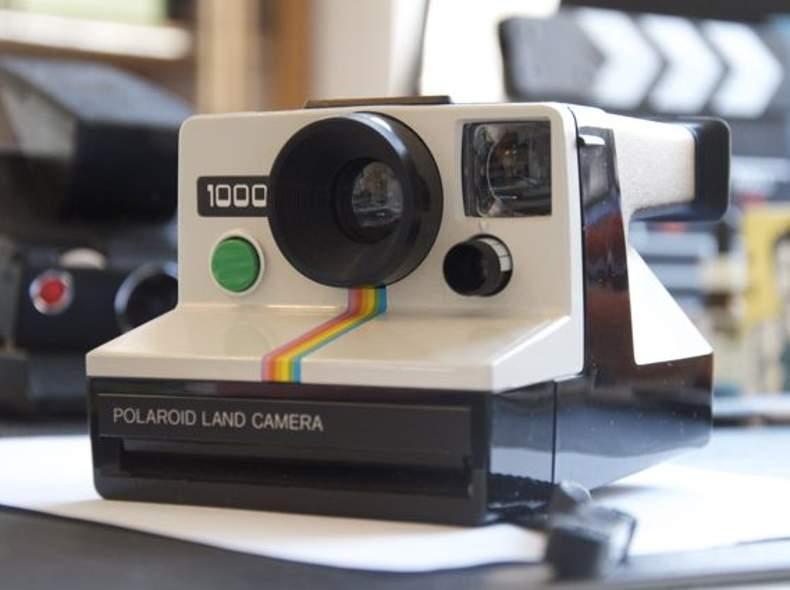 1377 Polaroid Land Cameria 1000