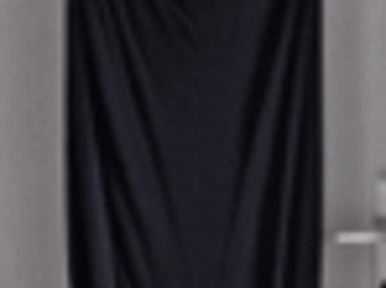 1769 langes Kleid mit Rückenausschnitt