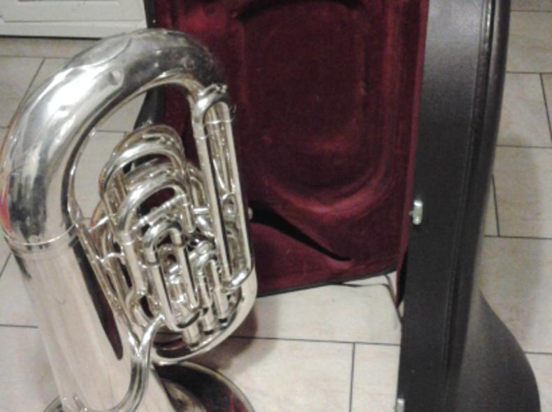 1974 Tuba in Es, Besson