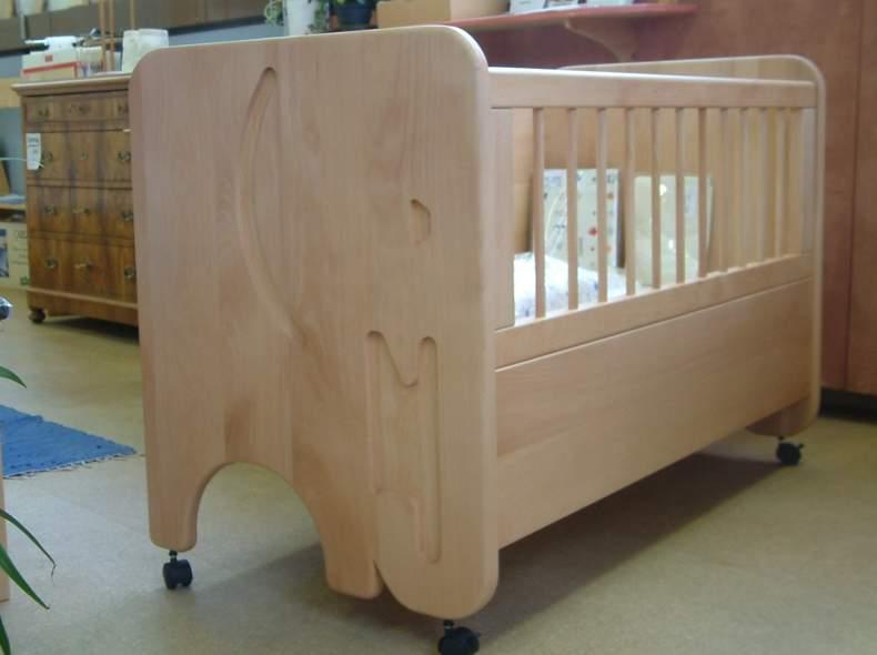 2319 Kinderbettli aus Massivholz