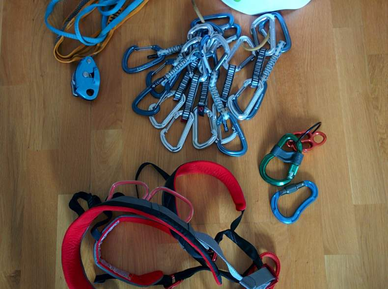 Klettergurt Mit Helm : Diverse kletterausrüstung steigeisen klettergurt eisschraube