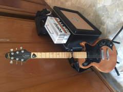 5433 E gitarre guitar with speaker & amp