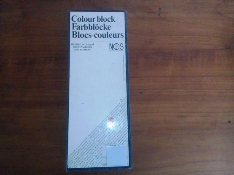 5647 NCS Farbsystem 8 Fächer 1412 Farben