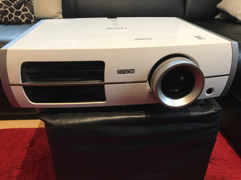 13844 Beamer HD Epson EH-TW 3800