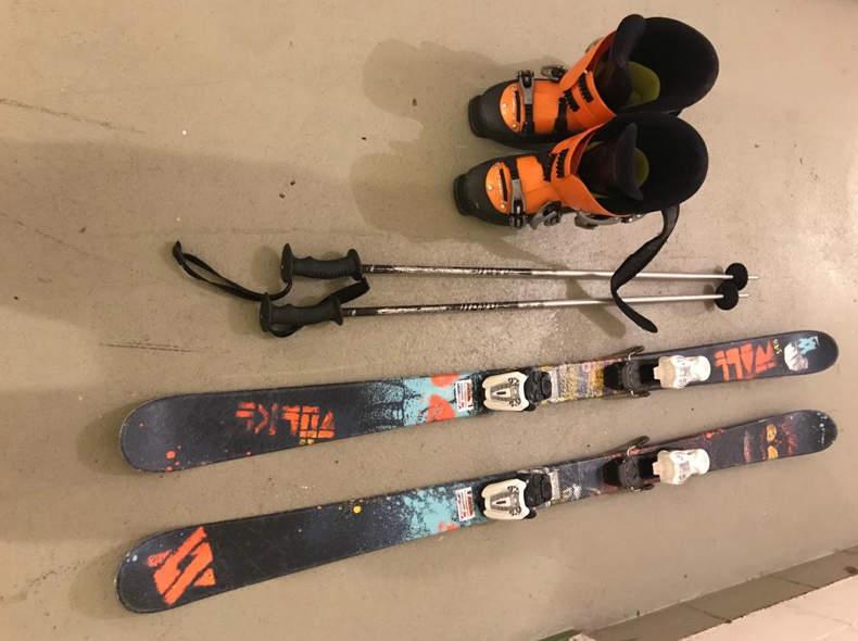 14010 Ski Ausrüstung Kinder
