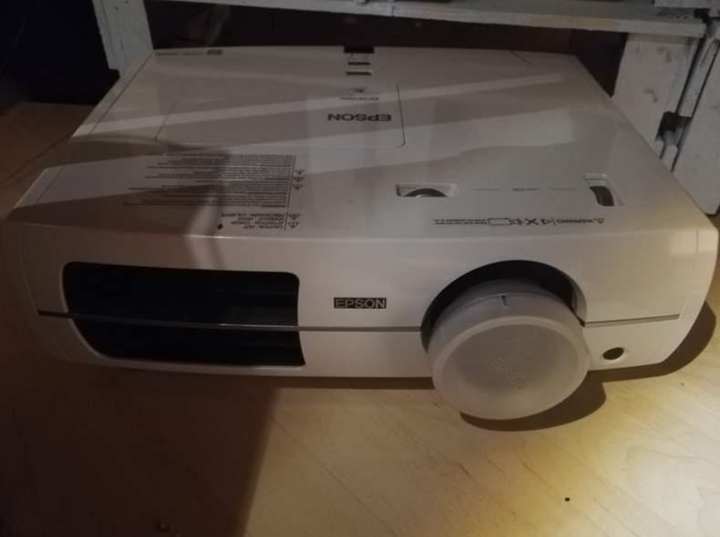16150 Beamer Epson EH TW3200