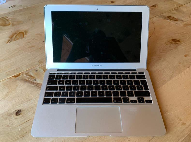 """16170 MacBook Air 11"""""""