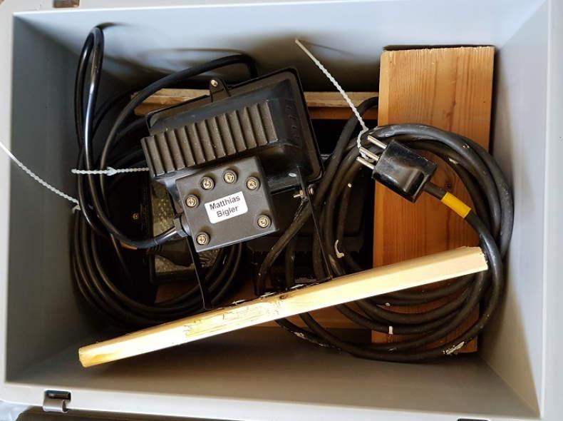5803 Kiste 5x Halogenscheinwerfer 150W