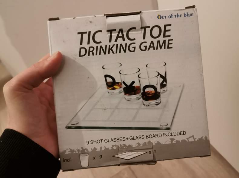 18729 Tic Tac Toe Trinkspiel