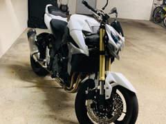 16428 Motorrad Sukuki GSR-750