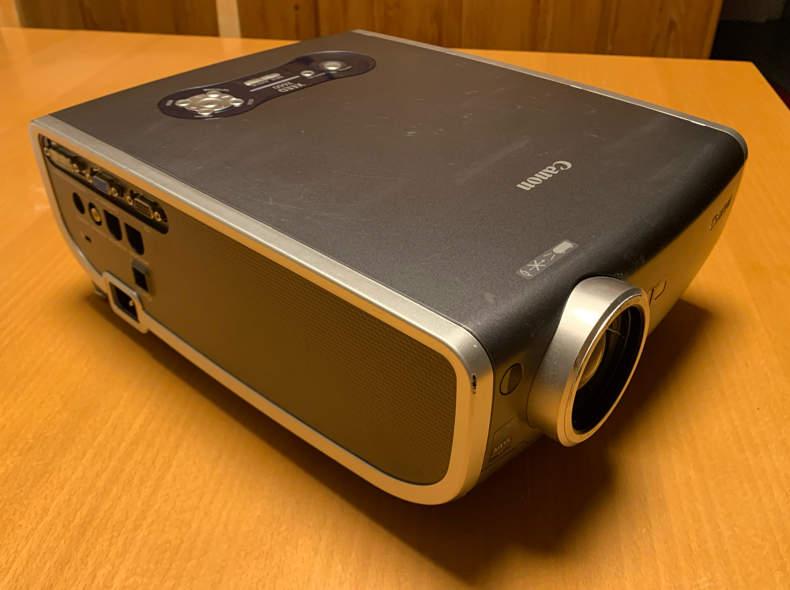 19339 Beamer Canon XEED X600