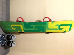 19728 Burton Snowboard mit Schuhen Gr. 43