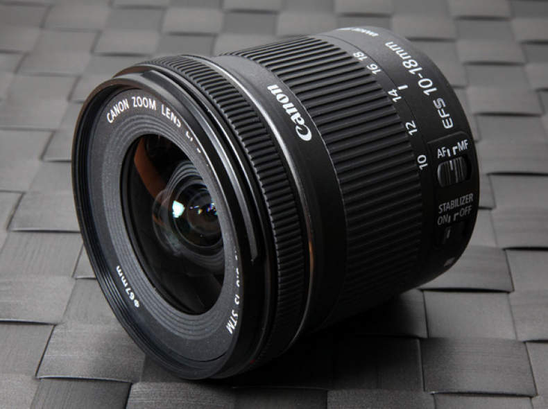 5827 Canon 10-18mm f 4.5-5.6 STM