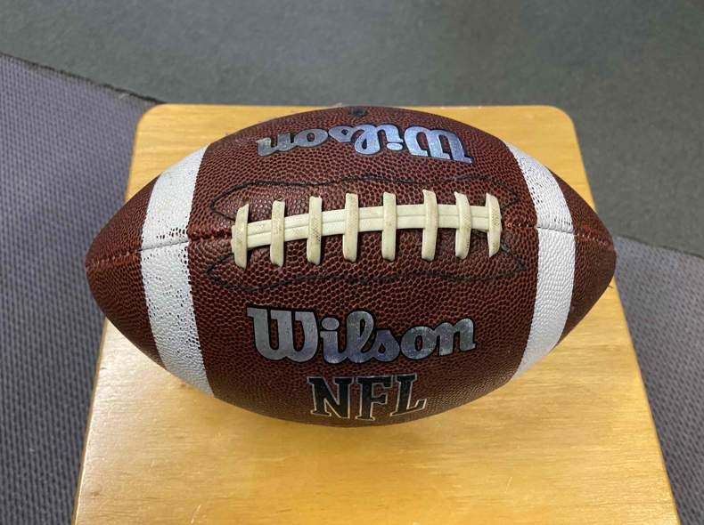 21241 American Football