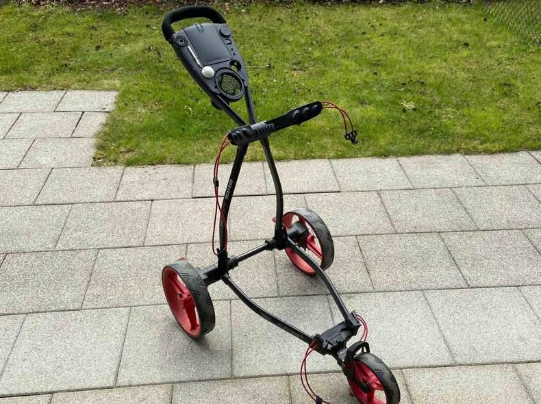 21758 Golf trolley. Foldable