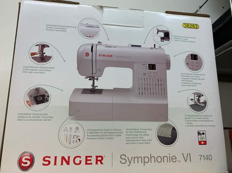 21915 Nähmaschine / Sewing Machine SINGER