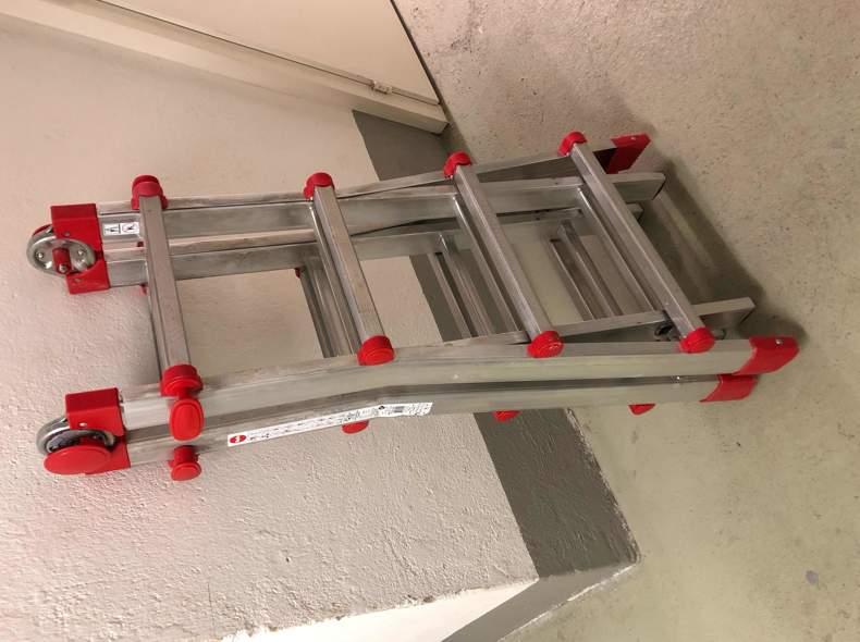 22374 Ausziehbare Leiter