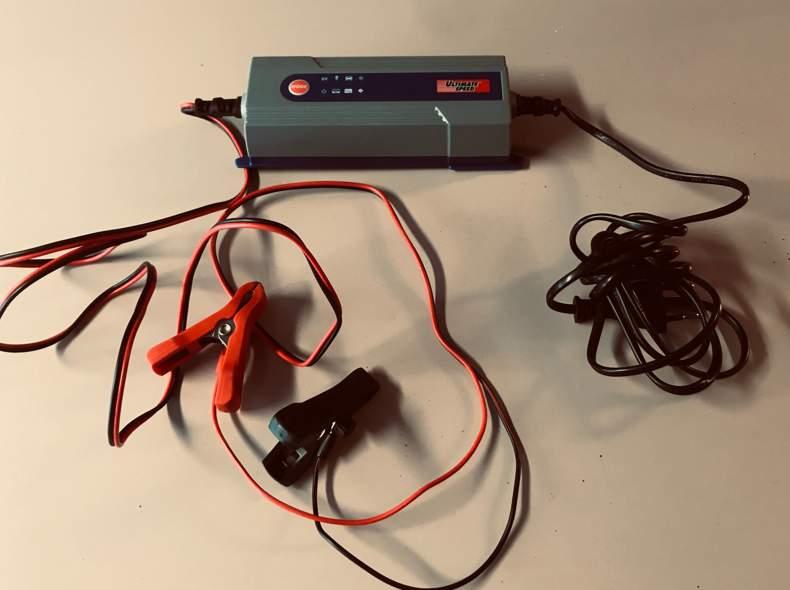 22671 Batterie Ladegerät Auto