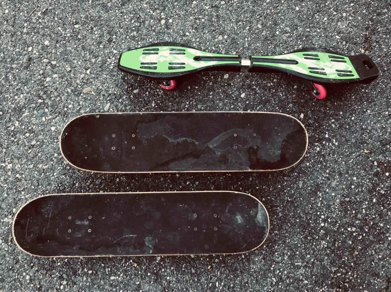 22675 Skate Boards & Wave Board