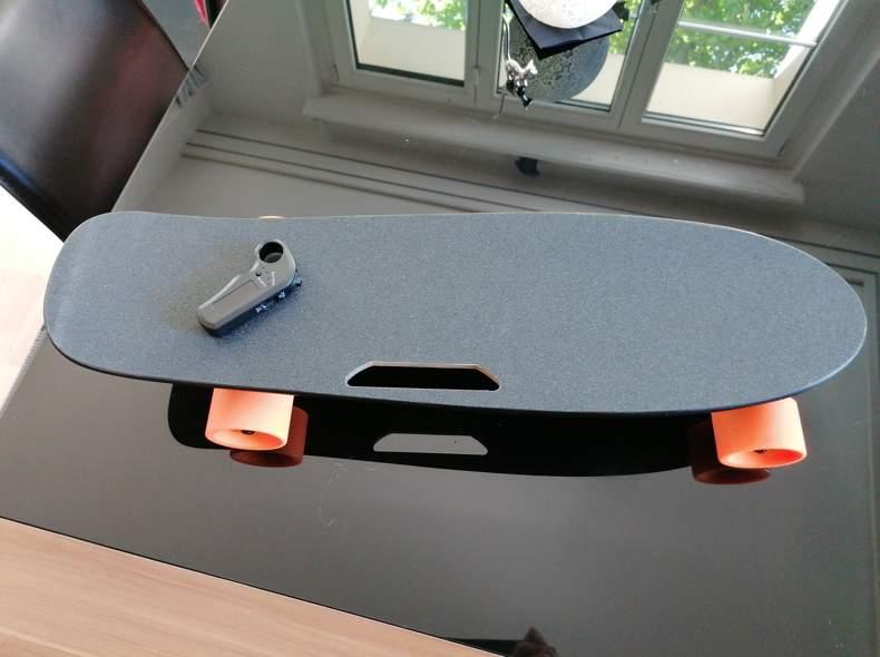 23178 Elektrisches Skateboard