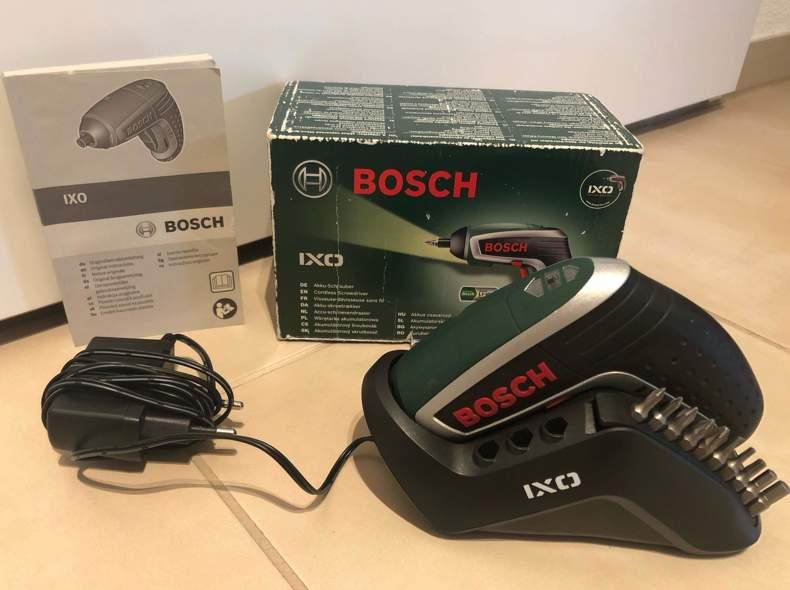 23537 Bosch IXO Akkuschrauber + 10 Bits