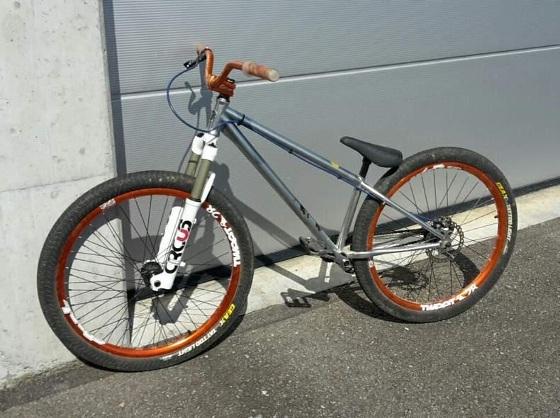 24805 Norco Dirt Bike Velo