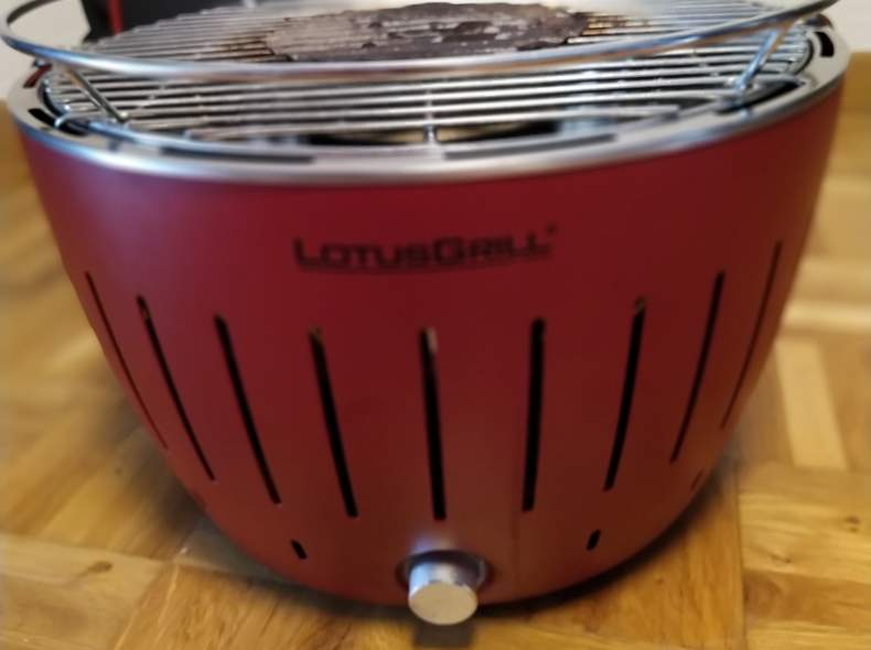 25453 Lotus Holzkohlegrill - rauchfrei