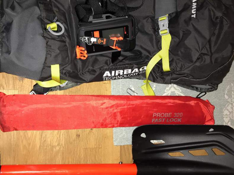 27943 Skitouren Ausrüstung