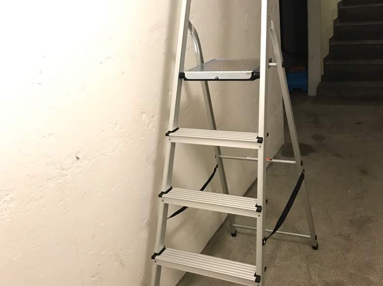 28890 Leiter, Haushalt, Alu
