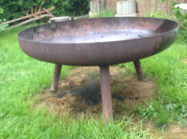 6096 Feuerschale mit Grillzubehör