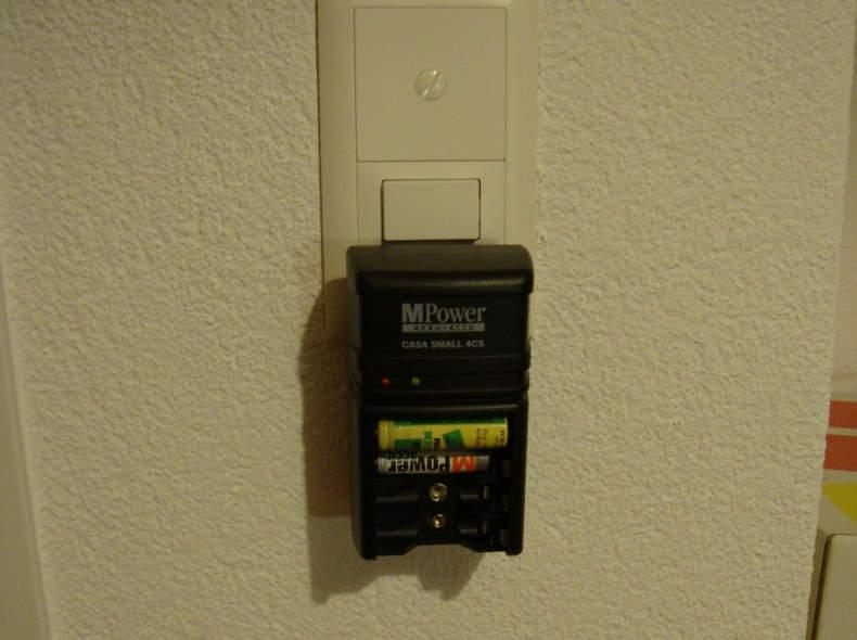6822 Ladegerät für Akku-Batterien