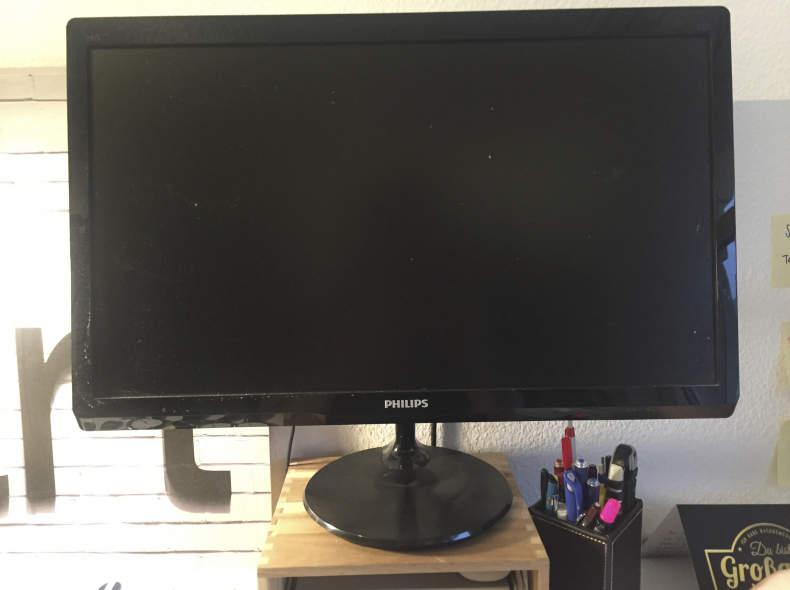 6905 Bildschirm mit HDMI Anschluss