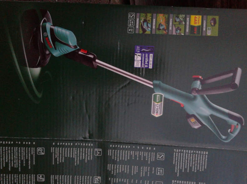 7047 Bosch Akku-Trimmer