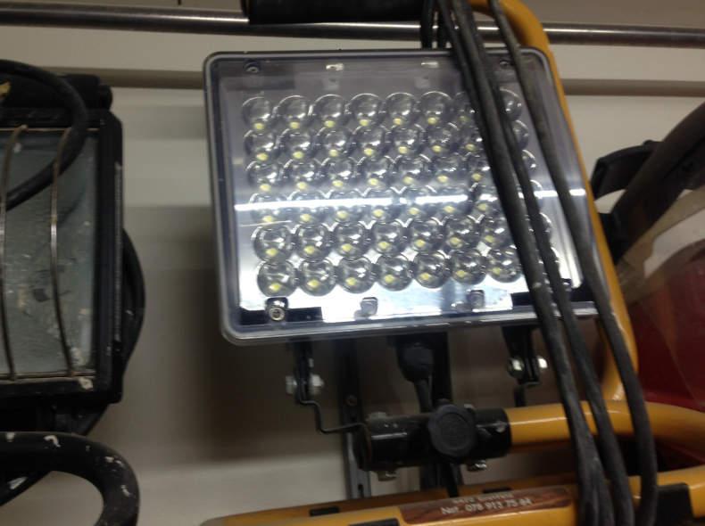 7392 LED Scheinwerfer