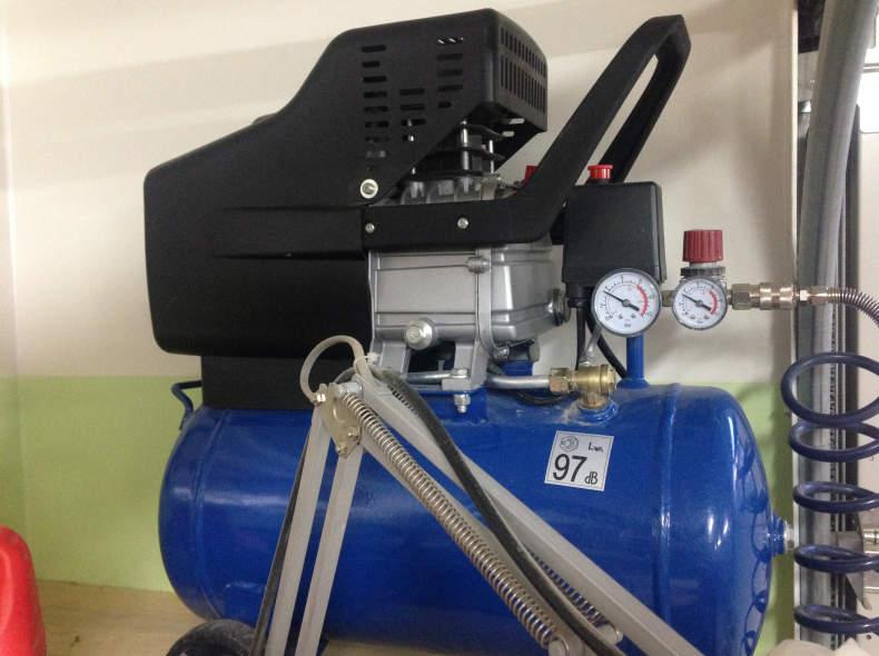 7393 Kompressor 8 Bar 25 Liter