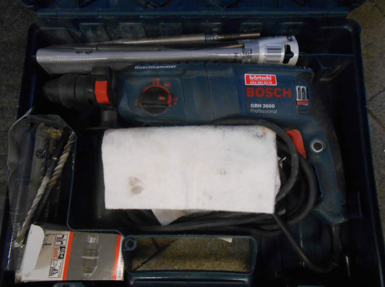 7843 Bohrhammer Bosch GBH2600