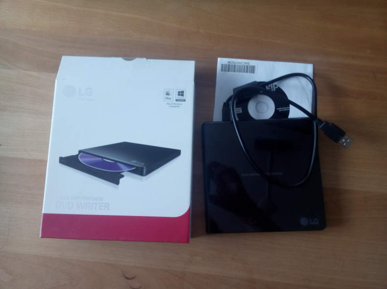 8208 DVD-Laufwerk mit USB-Anschluss